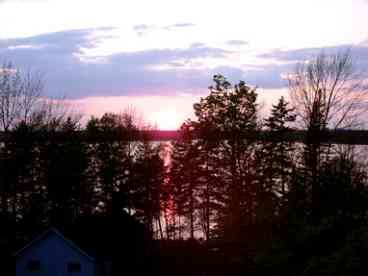 10% Discount August 31Through Oct 31 - Fabulous Waterfront Log Chalet, Acadia