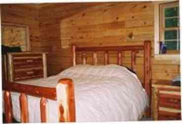 Luxury Log Cabin in 20 acres near Manistee River: Lost Oak Lodge