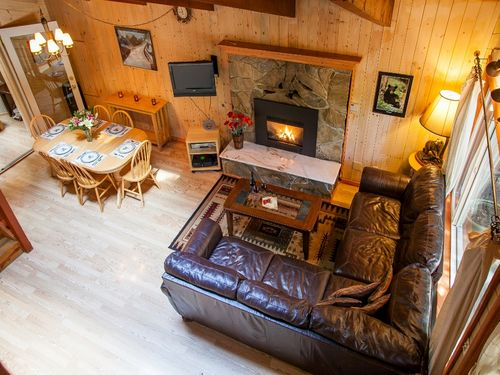 Three Bears Lodge cabins near Mt Rainier