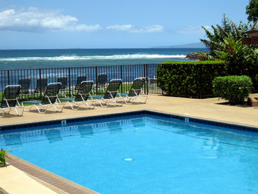 Affordable Maui Direct OCEANFRONT Deluxe Condo - Right on the water
