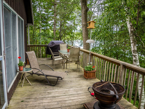 Private WIs. Lakehome on 13 Acres - Long Weekend and Weekly Rates