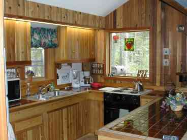 Charming Vacation Home Located Near Glacier National Park