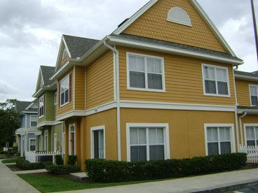 Draves -4/3 townhome Book within 24 hrs of quote and get $5 off per night