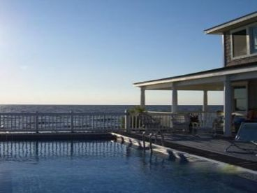 DREAM BEACHFRONT with STUNNING WATERVIEWS + 40 ft PRIVATE POOL FACING WATER
