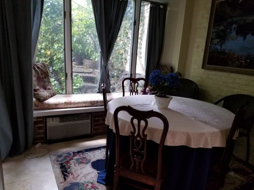 Center City Choose 1 or 3 Bedrooms Sleeps up to 10 Smoking OK in Large Garden