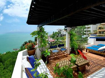 View Villa Caliente Luxury Awaits