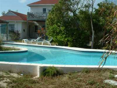 Canta Libre Cottage with private beach and pool