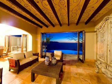 Casa Serafines -- Brand NEW Luxury Villa
