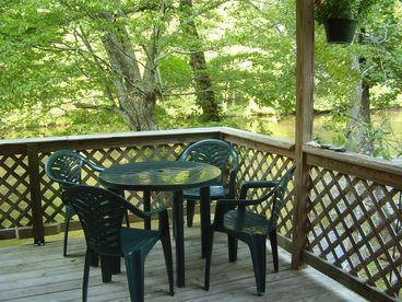 Riverfront Tellico Beach Cabin-Motorcycle & Fisherman Friendly