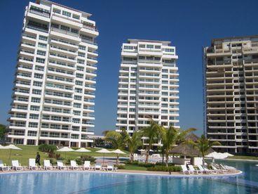 View Shangri La Condominiums  Book