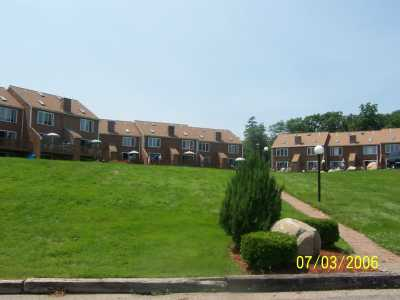 Spacious 4 level townhouse on Lake Ossipee