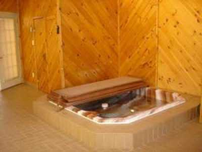Luxurious & Beautiful Dream Home Jacuzzi, Sauna & Huge Deck