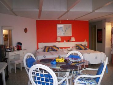 Acapulco Beach Condo - Fabulous and Affordable
