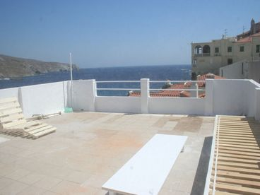 Townhouse with Terrace- 4 bedroom , 2 bath