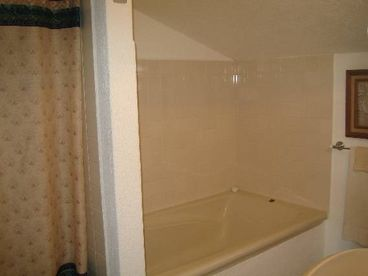 Club La Costa - Only unit with Soaker tub - car available