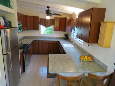 Coconut Corner Rental-Full Kitchen-Covered Patio-Split A/C-Close to Beach