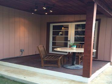 Coconut Corner Rental-Full Kitchen-Covered Patio-Split A/C-Close to Beach