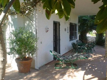 Holiday apartment in private villa with pool near Benidorm, Costa Blanca, Spain