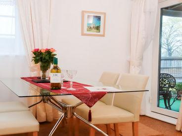 4* GOLD Wharton Lock Apartment with canalside Balcony