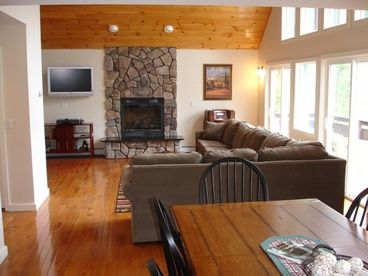 Five Bedroom Luxury Vacation Home with Views to Loon Mountain