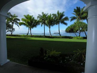 LAHAINA SHORES-BEACHFRONT-SLEEPS 4