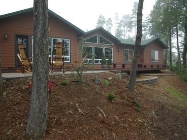 Maud Lake Lodge - Executive Lakefront Home w/Dune Access