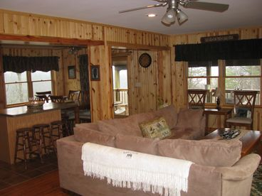 Eagle's Haven - WV Mountain Log Cabin
