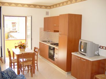 APARTMENTS ANGELINI CLOSE TO THE BEACH AND CITY CENTRE