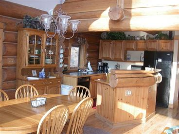 4+ Bedroom Schuss Mountain Ski-in Ski-out Log Home
