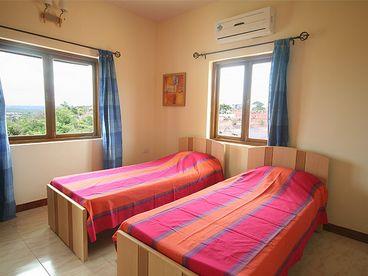 Dona Paula Apartment