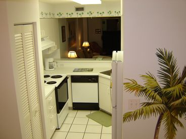 OCEANFRONT Condo, Wireless Hi-Speed Internet, New 55 Flat Screen HDTV w/HD cable