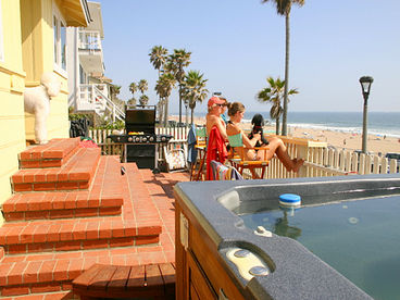 OCEANFRONT House on The Strand- Jacuzzi, BBQ, Bicycles