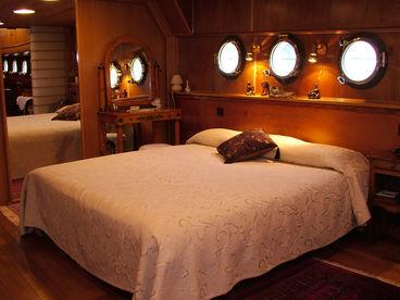 ~~~Bateau Simpatico~~~ Romantic Town House Boat