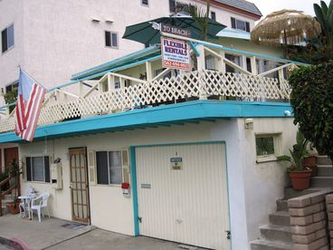 GABOS BY THE SEA located 2 minute walk from San Clemente Pier. Year-around flats