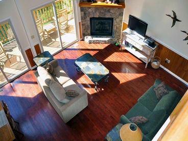 Above the Trees - Mountain Top 2 Bedroom with Pool Table, Hot Tub, Jetted Bath