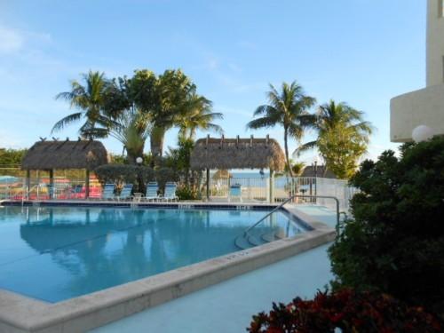 OCEANFRONT End Unit, Pool, Free WiFi, Panoramic Ocean Views