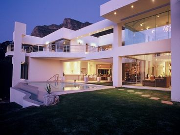 Hollywood Mansion Camps Bay sleeps 10
