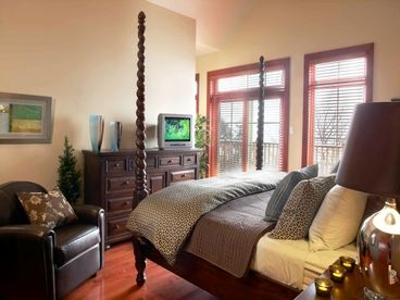 Tremblant Panache Condo Ski-in/out 6BR Billiards & Hot Tub Sleeps 12
