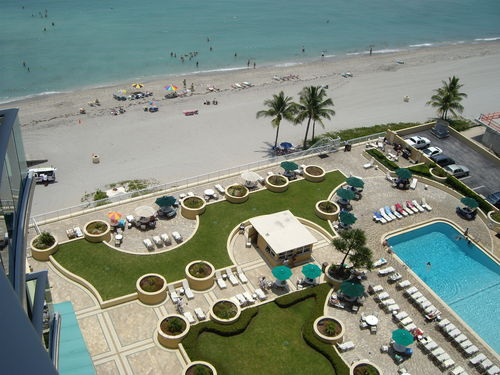 View Hollywood Beach Florida Immaculate