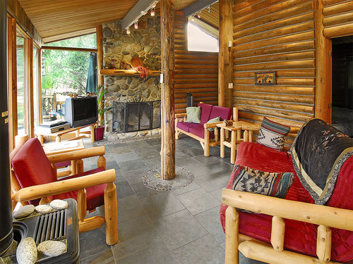 Prospectors Bend Cabin- stunning view and decor