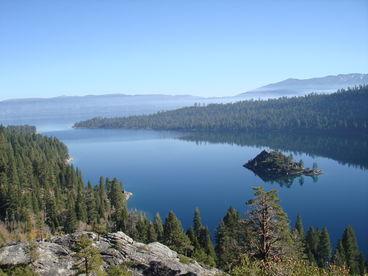 South Lake Retreat - Hot Tub, WiFi, Close to Skiing, Casinos - Free Netflix