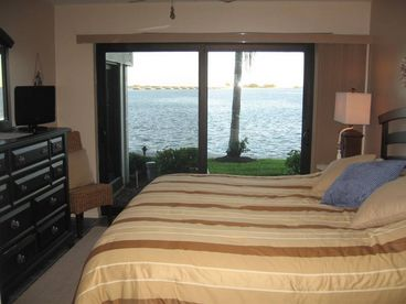 Wow!  Fantastic Bay Front, Updated, WiFi, HDTV, Save$