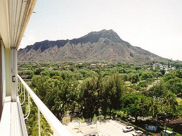 $3,400-  Special for May 2014 - Upscale Colony Surf - Beachfront
