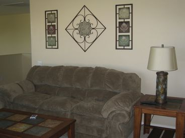 Beautifully Furnished & Decorated-5 Bedroom Home with Pool in Chandler AZ