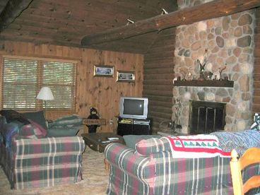 Chain Lake Log Lodge