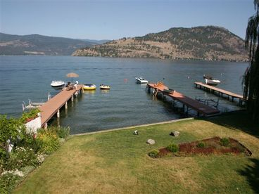 OKanagan Lakefront House-3 Bedroom- Dock - Boatlift - 1 week available