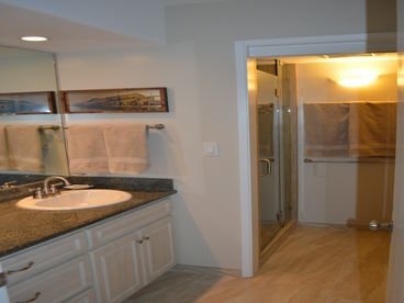 2BR/2BA Newly remodeld Oceanfront SPECIALS Oct. $295nt