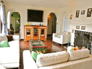 Hollywood Hills City View Villa with Pool, 5 bedroms