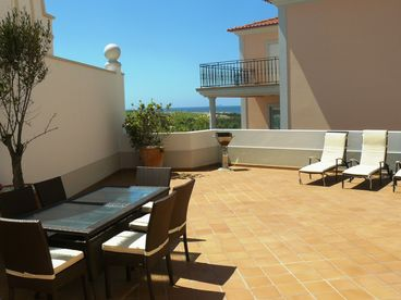 Luxury Praia Del Rey Apartment