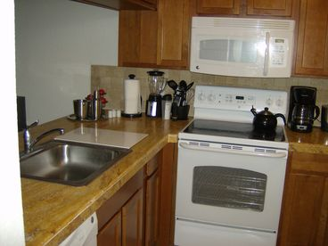 Wynmoor 2 bed, 2 bath Condo in 55-plus 457 acre community